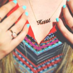 Pops of color with Boston blogger @kerriemburke. She's showing off her name necklace from Jewlr!