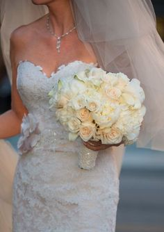 Gorgeous Bridal Gown and White Bouquet from @TheDavidTutera   Get more wonderful ideas @YWExperience