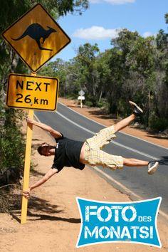 Foto des Monats März 2013! Maurice entdeckt die außergwöhnlichen Straßenschilder in #Australien beim #WorkandTravel