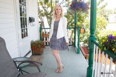 How to style a cotton dress. Printed flared dress from H&M. White Blazer from H&M.