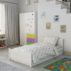 Dětské povlečení do postýlky bílé puntíky tečky kroužky barevné moderní designové Hello Kitty, Toddler Bed, Furniture, Design, Home Decor, Products, Child Bed, Decoration Home, Room Decor
