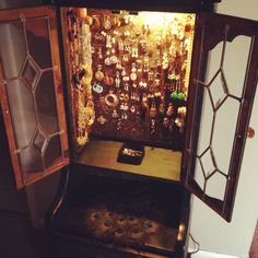 Jewelry armoire... oooh, pretty! I don't need any more big furniture but I don't think I can pass this up!