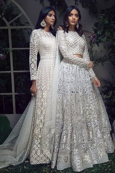 The Naina – Studio Indian Bridal Outfits, Indian Bridal Fashion, Pakistani Bridal Dresses, Indian Designer Outfits, Pakistani Outfits, Designer Dresses, Sabyasachi Dresses, Punjabi Wedding, Dress Indian Style