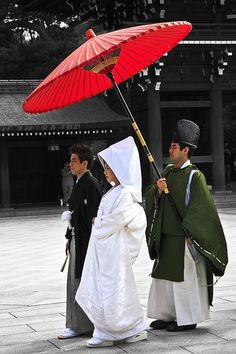 Traditional Japanese Wedding Couple.  Japanese wedding customs fall into two categories: traditional Shinto ceremonies, and modern Western-style weddings.   In either case, the couple must first be legally married by filing for marriage at their local government office, and the official documentation must be produced in order for the ceremony to be held.