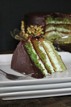 Saint Patrick's day is a required celebration in our home, as if Mr.Major… Saint Patrick's day is a required celebration in our home, as if Mr.Major's red hair wasn't already an indication of that. With a littl… Saint Patrick, Just Desserts, Delicious Desserts, 1234 Cake, Ganache Cake, Chocolate Ganache, Yummy Treats, Sweet Treats, Delish Cakes