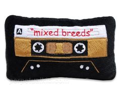 Mixed Breeds Cassette Dog Toy and more Uncommon Gifts at Perpetual Kid. Our Mixed Breeds Cassette Dog Toy is a rockin design that your dog will love! Cute Dog Toys, Pet Toys, Cute Dogs, Hipster Dog, Dog Milk, Dog Collar Tags, Costume, Mixed Breed, Cat Design