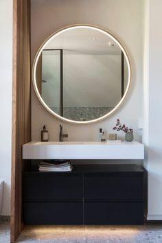 Dette badet får klesdesigner Maria Skappel Holzweiler i drømmemodus - Modena Fliser Relaxing Bathroom, Mood Images, Mediterranean Style, Nordic Style, Mirror, Furniture, Design, Home Decor, Graphite