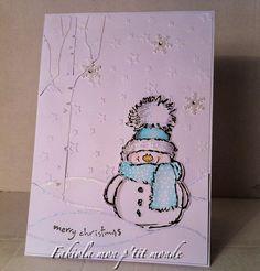 j'ai tenté le thème tout blanc   avec comme sujet un bonhomme de neige...   j'adore les bonhommes de neige....   et celui là est particuliè...