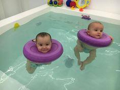 Tu Baby Spa es el primer balneario para bebés de la capital española. Así de bien se lo pasan los enanos en el agua.