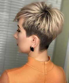 Trendy Very Short Haircuts for Women 2020 Trends Trendy Very Short Haircuts for Women will be in 2020 women hair trends. Short Blonde Pixie, Girl Short Hair, Short Hair Cuts For Women, Popular Short Hairstyles, Girls Short Haircuts, Trendy Hairstyles, Short Girls, Wedding Hairstyles, Short Hair Trends
