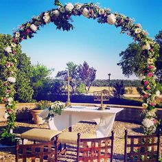 Arco decorado de flores para ceremonia civil. Wedding Arch with flowers #Weddingceremony #Wedding