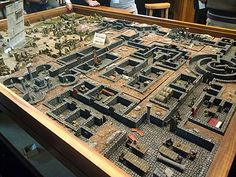 Designed to have the tabletop placed atop it, and removed for play. 40k Terrain, Game Terrain, Wargaming Terrain, Dungeons And Dragons Figurines, Dungeons And Dragons Miniatures, Dungeon Room, Dungeon Maps, Tabletop Rpg, Tabletop Games