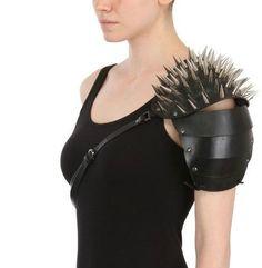 asymmetric one arm spiked shoulder armor