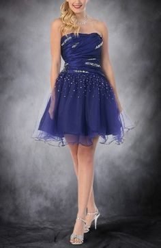 Shakira Taffeta Sweetheart Knee Length Homecoming Dresses Model : DWHNS15092  Regular Price: $228.00 Special Price: $99.00 Total Save: $129.00