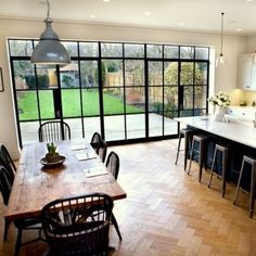 Steel windows bring industrial style to domestic extension - The Building Product Directory 1930s House Extension, House Extension Design, Extension Ideas, Open Plan Kitchen Living Room, Open Plan Living, Family Kitchen, Home Interior, Interior Design Kitchen, Küchen Design