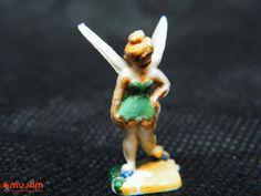 Campanita Figura en miniatura Elaborada en plástico extendido Medidas: 2.5 x 1.4 x 0.8 cm