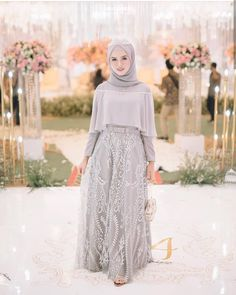 Image may contain: 1 person, standing Hijab Gown, Hijab Evening Dress, Hijab Dress Party, Hijab Style Dress, Dress Brokat Muslim, Dress Pesta, Muslim Dress, Kebaya Muslim, Modern Hijab Fashion