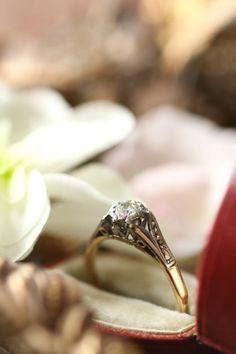 ヴィンテージダイヤモンドソリテールリング ウエディングエンゲージ婚約指輪 アンティークジュエリー イギリス