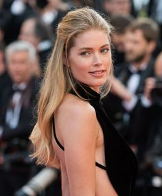 Doutzen Kroes' Beachy Waves On The Cannes Red Carpet