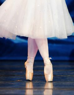 11. I know this doesn't seem like a big deal, but it annoys me so much. Dancers that can't get all the way over on their pointe shoes shouldn't be en pointe.