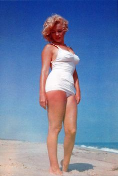 Neat Stuff Blog: Marilyn Monroe at the Beach
