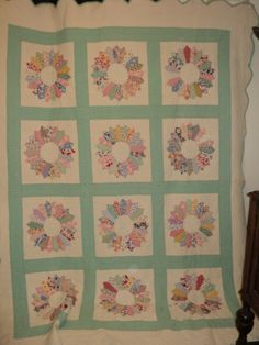 Antique 1930 Classic Dresden Plate Quilt Beautiful Hand Quilting | eBay