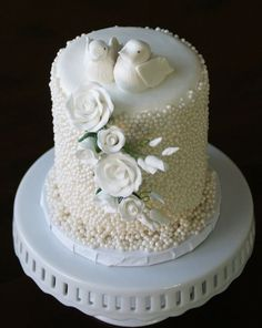 doves cakes | ... cake to cut. Two sugarpaste doves top this fondant cake, with