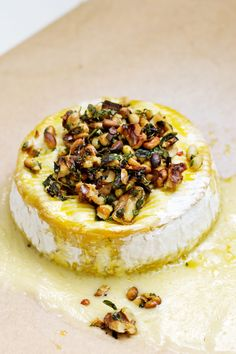 Oven-Baked Brie Cheese - Diet Doctor