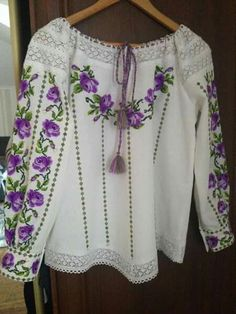 Embroidery On Clothes, Folk Embroidery, Embroidered Clothes, Embroidery Fashion, Embroidery Dress, Blouse Dress, I Dress, Fashion Pants, Fashion Outfits
