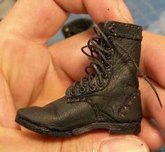 Custom 1/6 shoes - great tutorial!