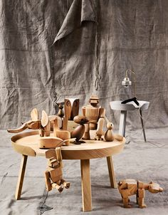 Architect Made wood birds & teak animals from Rosendahl on the Around Coffee Table by Muuto Interior Inspiration, Design Inspiration, Into The Woods, Wooden Animals, Electronic Toys, Toddler Fun, Wood Toys, Tiny Dolls, Interior Styling