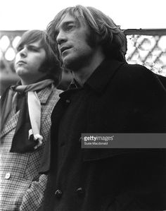 Carl Wilson and Dennis Wilson from The Beach Boys posed by the river Thames in London in December Dennis Wilson, Carl Wilson, The Beach Boys, I Love The Beach, Bruce Johnston, Wilson Brothers, Surf Music, 70s Tv Shows, Dennis The Menace