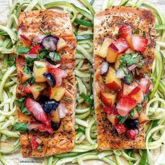 Salmon w/ Fruit Salsa. Salmon seasoned with a simple rub topped with fruit salsa served on a bed of zoodles. Healthy Salmon Recipes, Veggie Recipes, Fish Recipes, Seafood Recipes, Recipies, Sesame Salmon Recipe, Salmon Dishes, Fish Dishes, Main Dishes