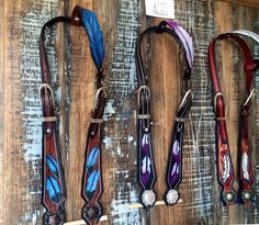 Le chouchou de ma boutique https://www.etsy.com/ca-fr/listing/475360961/western-headstall-one-ear-feather-bridle