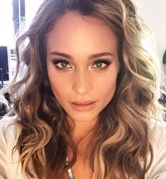 This beautiful beach bunny and a day that was probably too fun to call work!  @hanni_davis @jenatkinhair #makeupbymaryphillips #hackarchivesedition