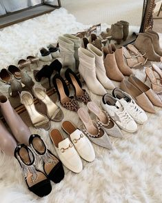 Dr Shoes, Sock Shoes, Cute Shoes, Me Too Shoes, Shoes Sneakers, Shoes Sandals, Lux Fashion, Fashion Shoes, Luxury Lifestyle Fashion