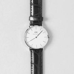 Die Armbanduhr 'Sheffield' von Daniel Wellington, gehört bereits zu den Klassikern. Hier entdecken und kaufen: http://sturbock.me/i6X