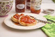 Have you ever made fresh jam? This is a must try! You'll never go back to the supermarket stuff!! peach-vanilla jam - Feeling Foodish