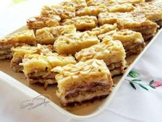 Ce parere aveti de niste prajituri cu migdale Romanian Food, Eat Dessert First, Something Sweet, Cakes And More, Just Desserts, Macaroni And Cheese, Sweet Treats, Deserts, Good Food