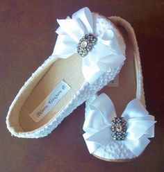 Would make adorable flower girl dress shoes! I'd even wear these in adult size!