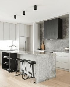 Awesome modern kitchen room are offered on our site. Have a look and you wont be sorry you did. Beautiful Kitchen Designs, Modern Kitchen Design, Beautiful Kitchens, Interior Design Kitchen, Modern Interior Design, Studio Interior, Interior Livingroom, New Kitchen, Kitchen Decor