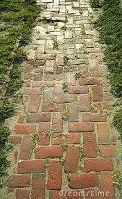 Resultado de imagen para caminos de jardin con ladrillos