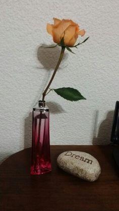 Reciclar botellas de perfume es muy lindo!!