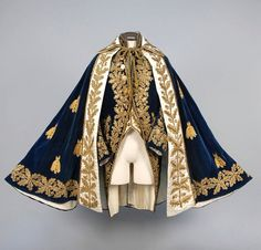 Historical fashion and costume design. Historical Costume, Historical Clothing, Historical Dress, Style Lolita, Character Outfits, Mode Outfits, Mode Inspiration, Lolita Fashion, Fashion Fashion