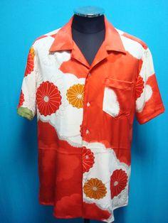 This is a vintage silk kimono shirt. Materials: silk *used kimono of vintage Conditions *Good, There is a stain that stands out. Kimono Shirt, Silk Kimono, Vintage Hawaiian Shirts, Aloha Shirt, Japanese Outfits, Japanese Fabric, Handmade Clothes, 1940s, Upcycle