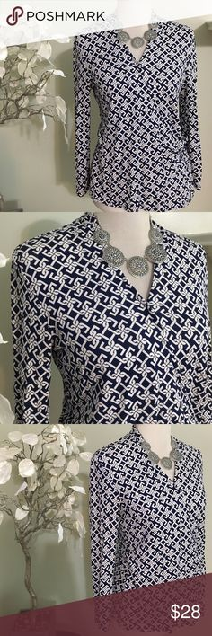 TALBOTS TOP Chic looking Top, made of rayon and spandex, excellent condition Talbots Tops Blouses
