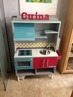 Cocinita de juguete para el Chango!! #cocinajuguete #kitchen #chalkpaint cuina!!!