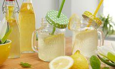 Make lemon syrup yourself - Trend Cocktail Drinks 2019 Cocktail Garnish, Cocktail Drinks, Cocktails, Rumchata Recipes, Limoncello Recipe, Lemon Head, Lemon Syrup, Slushies, Non Alcoholic