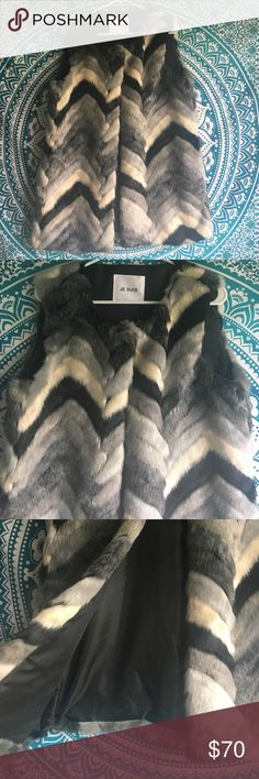 Je Suis faux fur vest Staple piece if you love black - helps put a smidge of color into that darkness! Je Suis Jackets & Coats Vests