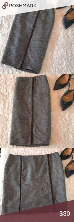 Cynthia Rowley Tweed Like Pencil Skirt Super cute and classy Cynthia Rowley Pencil Skit. Skirt is similar to a Tweed like pattern and has thin black faux leather pleats going down sides. Back of Skirt is vented. Excellent condition! Length of Skirt measures approx 20inches from waist Cynthia Rowley Skirts Pencil